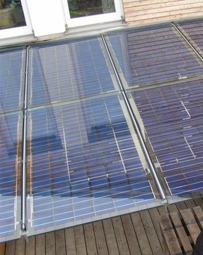 Ge ntegreerde zonnepanelen - Veranda met dakpan ...